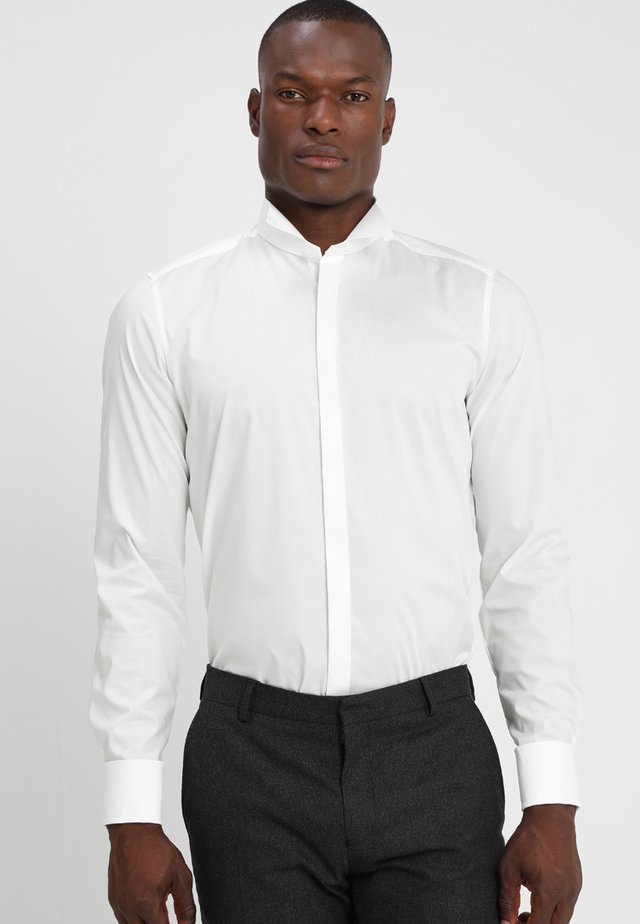 BODY FIT - Formal shirt - off-white