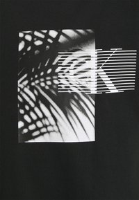 Calvin Klein Jeans - PALM BACK GRAPHIC TEE UNISEX - T-shirt con stampa - black - 2