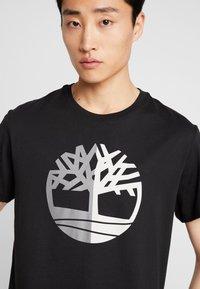 Timberland - TREE LOGO TEE - T-shirt print - black - 6