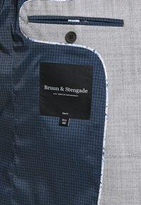 Bruun & Stengade - ALSACE SET - Kostym - grey - 10
