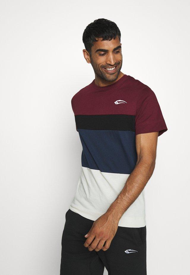 UNITY REGULAR - T-shirt con stampa - rot/schwarz