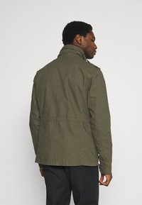 Superdry - CLASSIC ROOKIE  - Summer jacket - washed khaki - 2