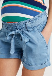 Seraphine - ETHAN - Shorts - light blue denim - 5