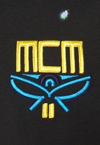MCM - COLLECTION SHORT SLEEVES TEE - Triko spotiskem - black - 5