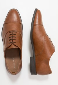 Pier One - Derbies & Richelieus - cognac - 1