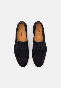 Magnanni - Slippers - azul - 3
