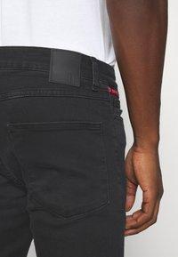 11 DEGREES - ABRASION SUPER SKINNY - Slim fit jeans - black - 3