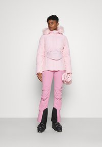 Missguided - SKI JACKET WITH MITTENS AND BUMBAG  - Winter jacket - pink - 1
