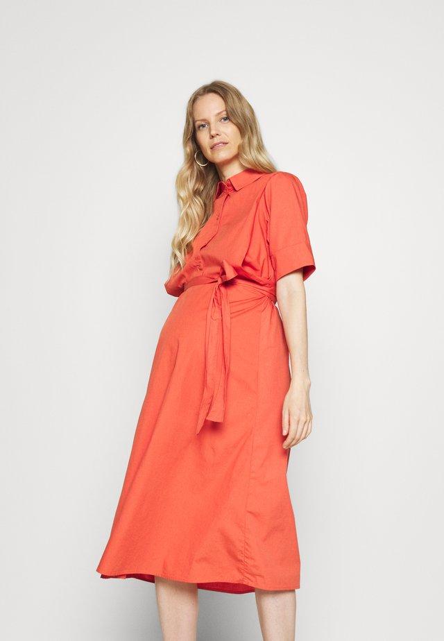 MLKESIA LIA WOVEN MIDI DRESS - Košilové šaty - burnt sienna