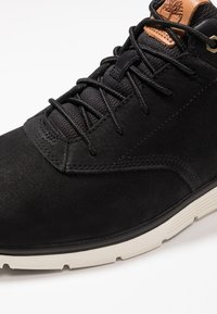 Timberland - KILLINGTON HALF CAB - Chaussures à lacets - black - 5