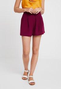 KIOMI - Shorts - red violet - 0