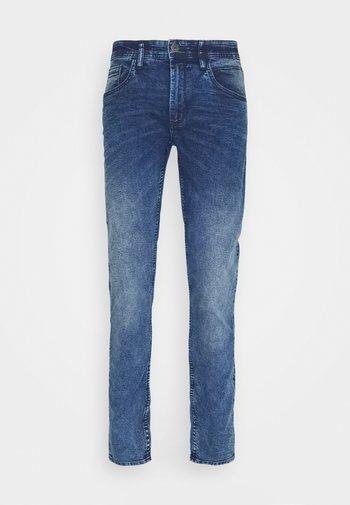 JET FIT - Slim fit jeans - denim light blue