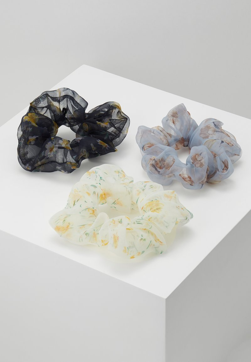 Pieces - SCRUNCHIE 3 PACK - Haaraccessoire - bright white/blue