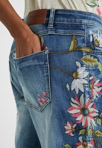 Desigual - Relaxed fit jeans - blue - 4