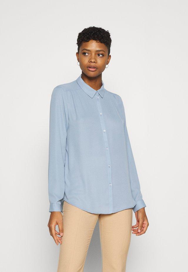 VILUCY BUTTON - Button-down blouse - ashley blue