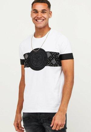 T-shirt z nadrukiem - white/aspahalt