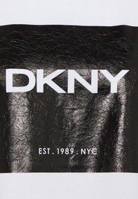 DKNY - Print T-shirt - white - 2