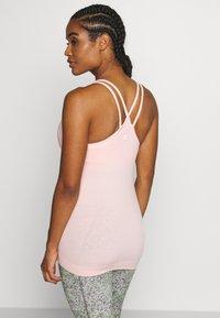 Sweaty Betty - NAMASKA SEAMLESS PADDED YOGA - Top - liberated pink - 2