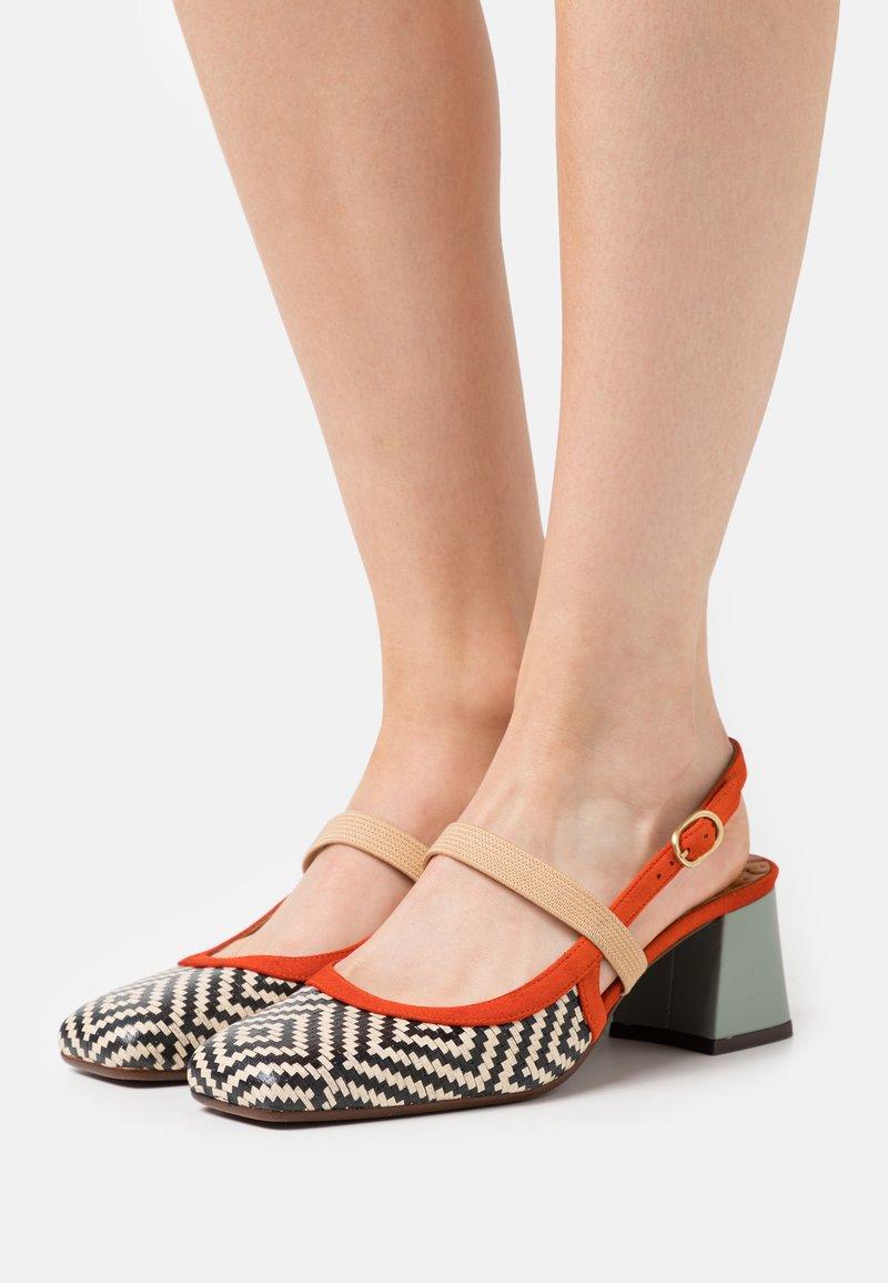 Chie Mihara - VOYAGE - Classic heels - mei/rosa/freya fango