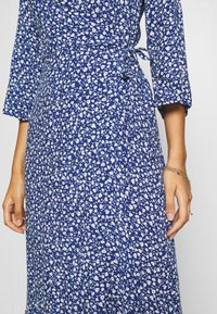 Monki - AMANDA DRESS - Maxi šaty - blue - 5