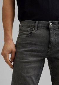edc by Esprit - Short en jean - grey medium washed - 4