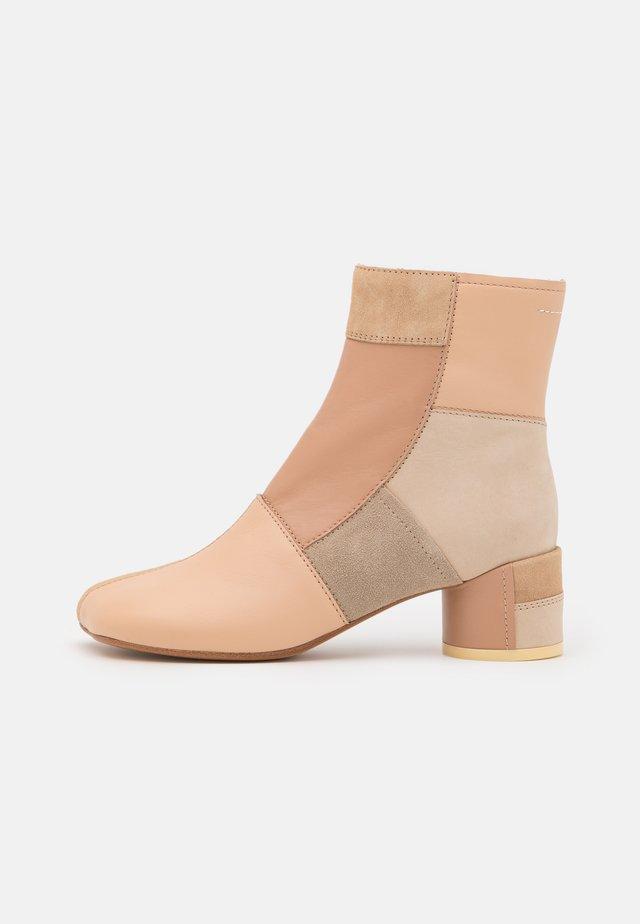 STIVALETTO - Korte laarzen - multicolor/nude