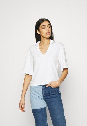 CORA - Print T-shirt - white