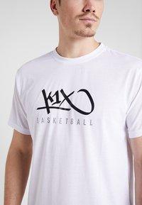 K1X - HARDWOOD - Print T-shirt - white - 5