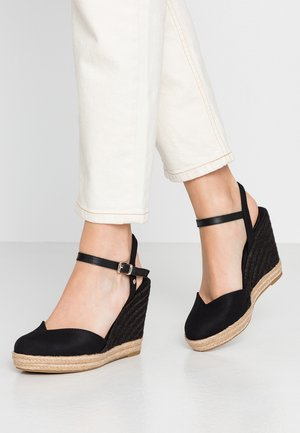 BASIC CLOSED TOE HIGH WEDGE - High heeled sandals - black