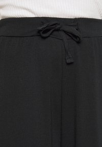 Anna Field Petite - Tracksuit bottoms - black - 5