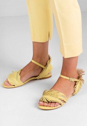 Sandals - żółty