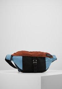 Marni - Bum bag - lake/rust/black - 0