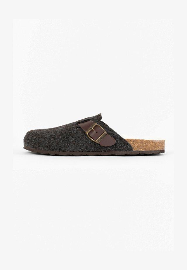 MOKE  - Clogs - brown