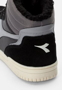Diadora - RAPTOR WINTERIZED - Höga sneakers - black - 5