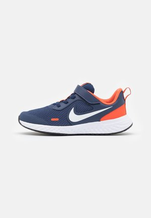 REVOLUTION 5 UNISEX - Neutral running shoes - midnight navy/white/orange