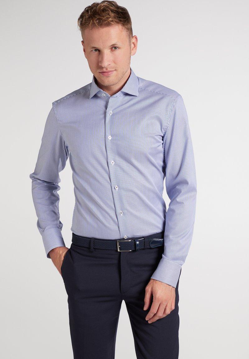 Eterna - SLIM FIT - Formal shirt - blau/weiß
