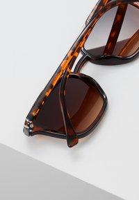 YOURTURN - Sunglasses - brown - 3