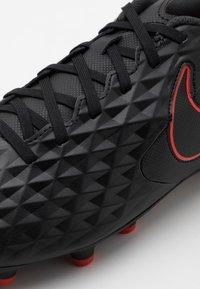 Nike Performance - TIEMPO LEGEND 8 CLUB FG/MG - Voetbalschoenen met kunststof noppen - black/dark smoke grey/chile red - 5