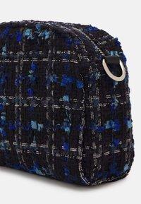 Becksöndergaard - BLUNA NANNIK BAG - Across body bag - gray blue - 3