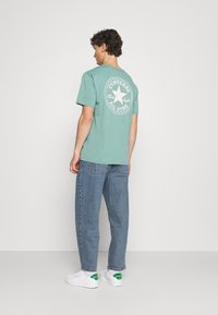 BDG Urban Outfitters - BOW  - Tapered-Farkut - light wash - 2