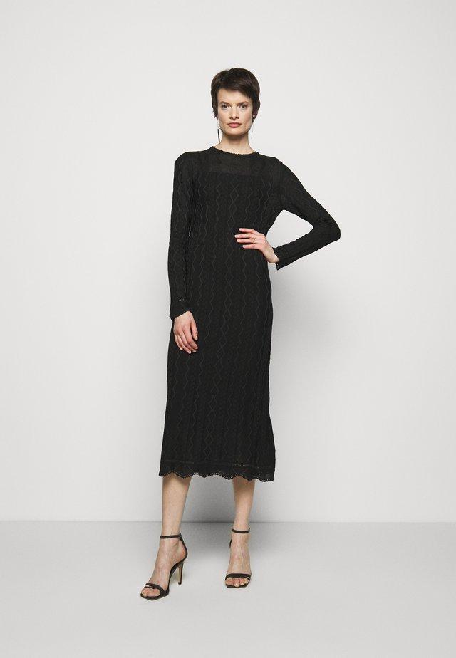 ABITO LUNGO - Gebreide jurk - black