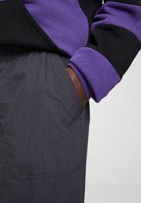 PULL&BEAR - Trousers - black - 4