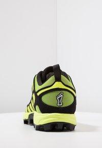 Inov-8 - X-TALON CLASSIC - Chaussures de running - yellow/black - 3