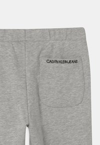 Calvin Klein Jeans - RELAXED ELASTIC  - Joggebukse - grey - 2