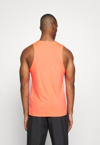 ASICS - SINGLET - Sports shirt - flash coral - 2