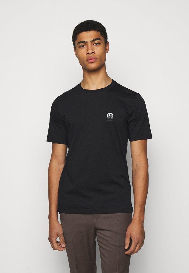 GENTS HOMER BADGE UNISEX - T-shirt imprimé - black