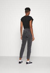 Noisy May - NMOLIVIA  - Slim fit jeans - dark grey denim - 2