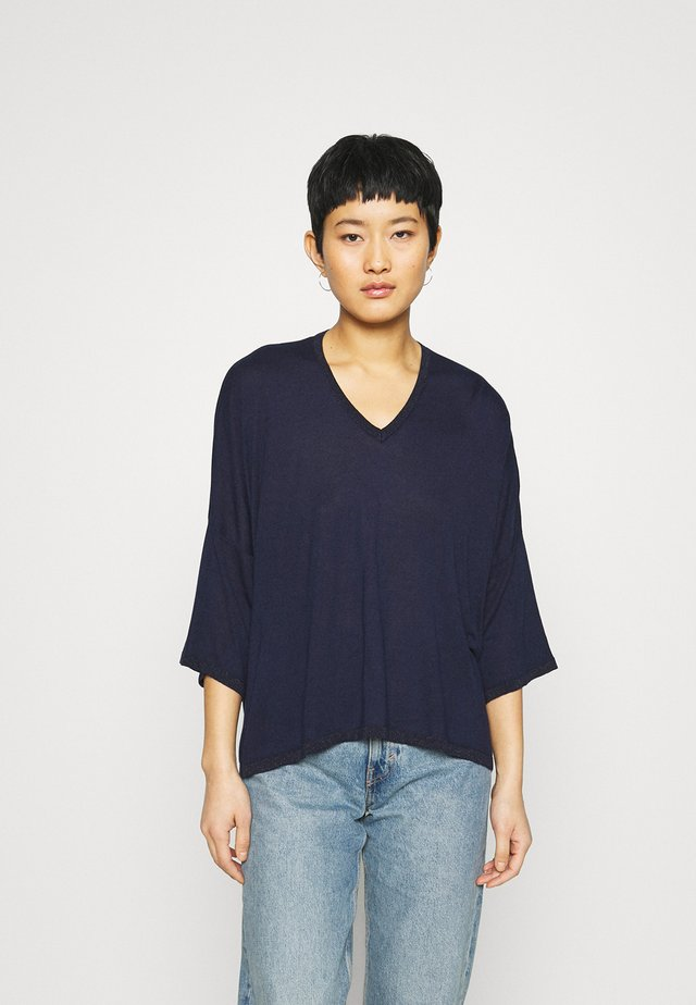 V NECK - Trui - navy