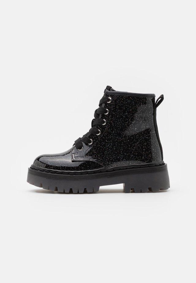 JDYNASTI - Veterboots - black glitter