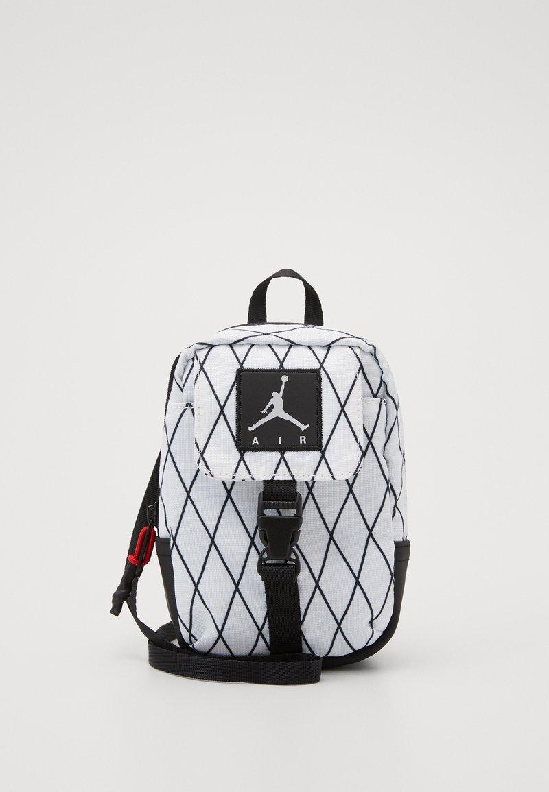 Jordan - ANTI-GRAVITY POUCH - Across body bag - white